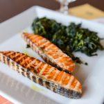 Filetto di salmone fresco con cicoria ripassata