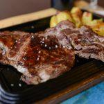 Bistecca ai ferri con patate arrosto (l'etto)